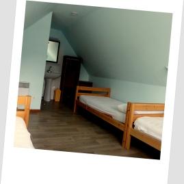 Chambre 3 places Gite 9 places Loudervielle