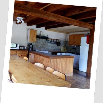 Salle à manger et cuisine gîte 14 places